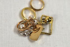 【K18、K24、Pt850の指輪等の貴金属】を狭山市にお住まいのお客様からお買取させていただきました。