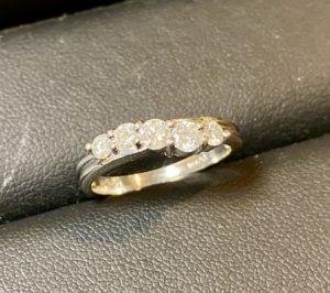 プラチナ(Pt950)ダイヤモンドの指輪をお買取させていただきました。