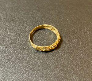 金(750刻印,K18)のリング,指輪をお買取!価格の相場は?
