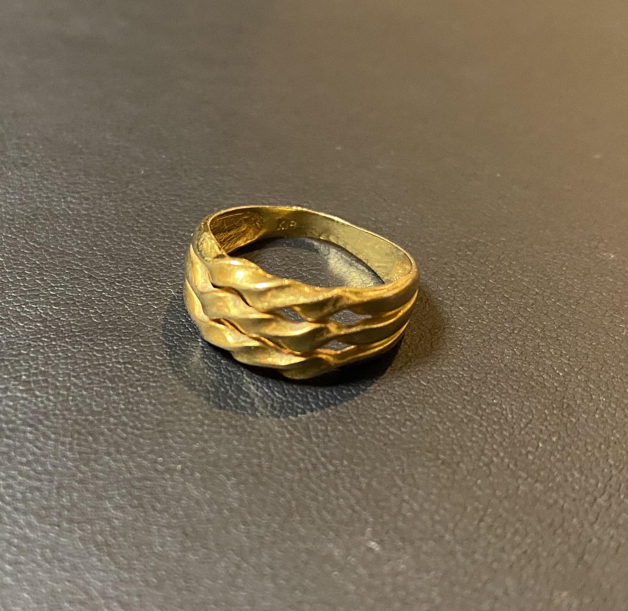 金(K18,18金)イニシャル入りの指輪,リングをお買取!価格の相場は?