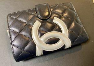 シャネル カンボンライン 2つ折り財布をお買取させていただきました。